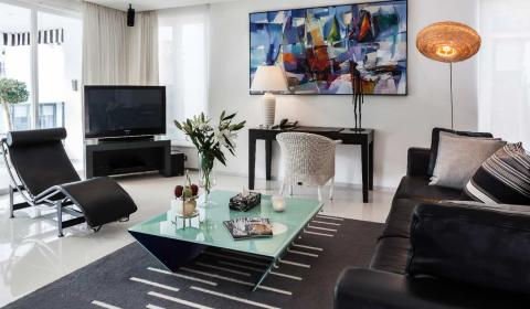 8 Reasons why you should book a serviced apartment - BYD Lofts - feature image